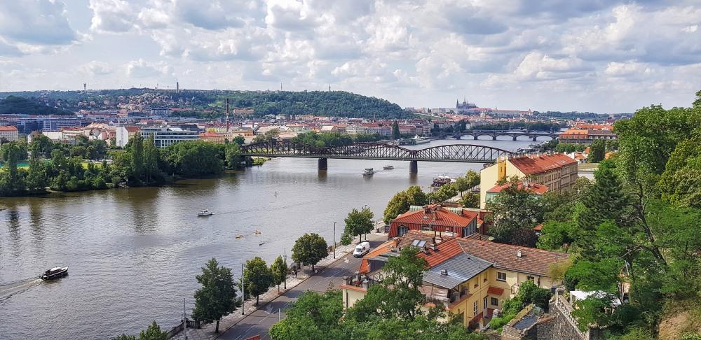 Vyšehrad - výhled na Pražský hrad