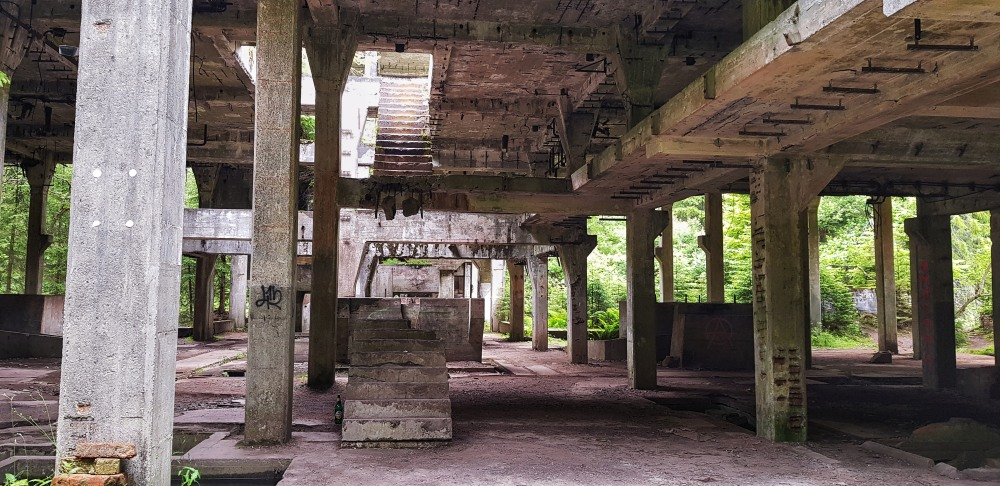 Sauersack, hlavní budova